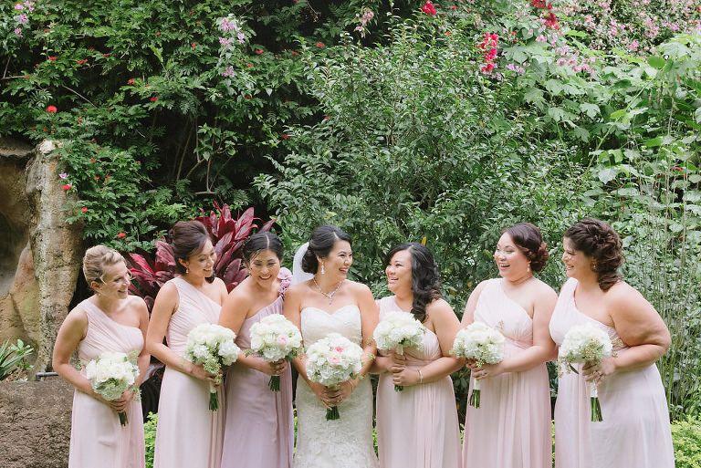 Ou tdoor Garten Hochzeit Bridal Party Portrait, Brautjungfern in ...