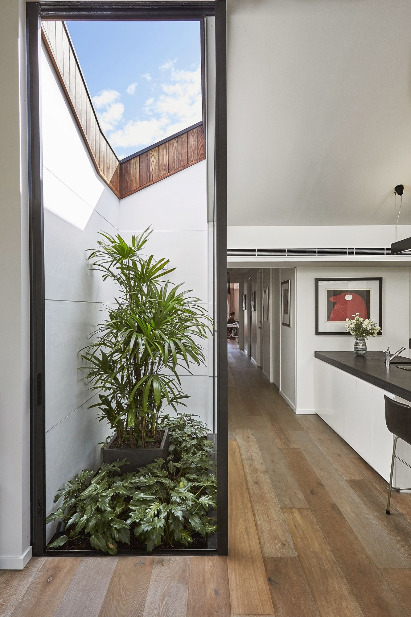 Galer a de casa malvern jost architects 15 en 2019 variado al gusto casas interiores y - Cerramientos patios interiores ...