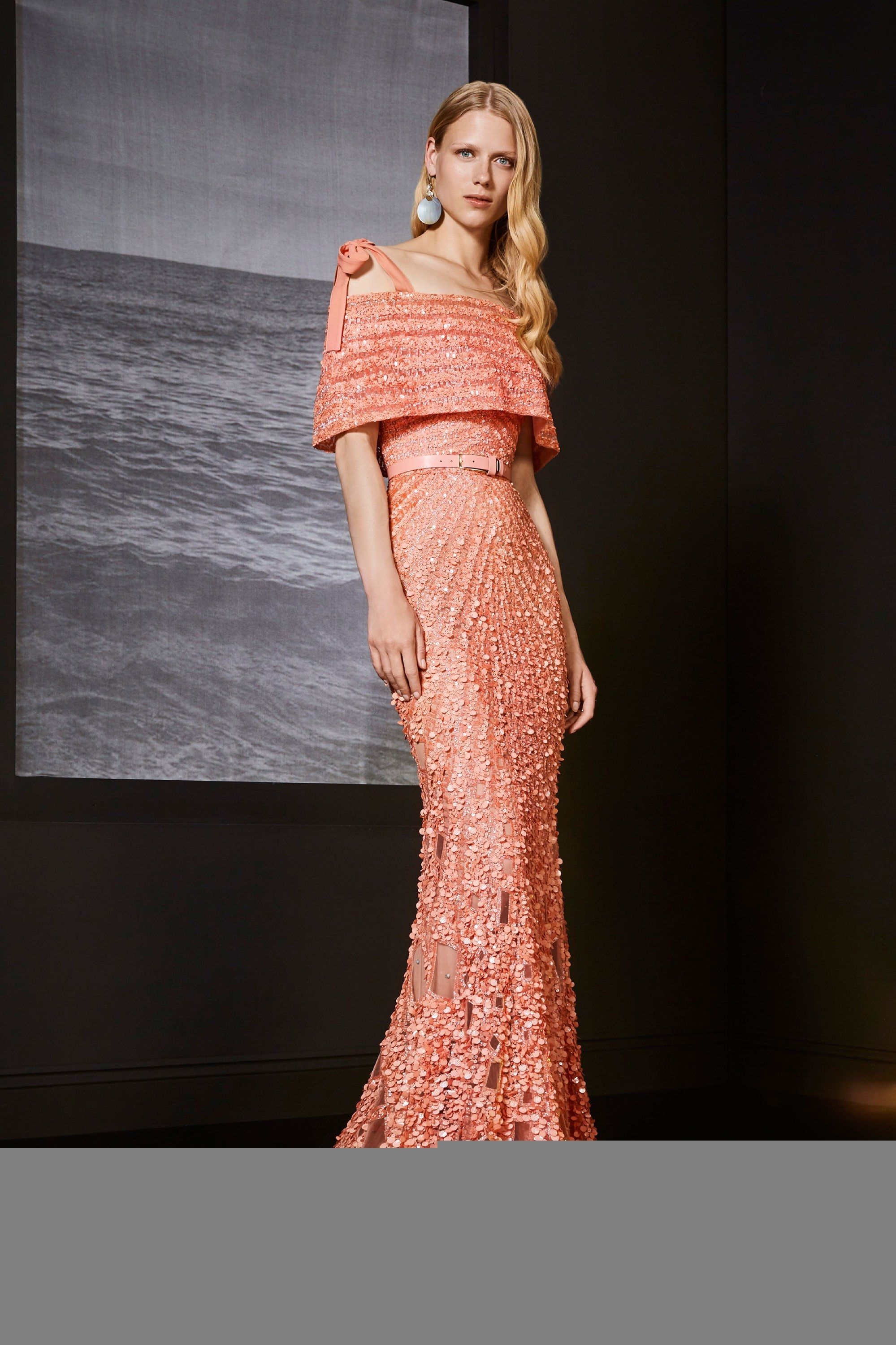 Elie Saab Resort 2018  Another peachy keen look! I love teh cold shoulder  look and the intricate beading! Glamorous from head to toe! a72c96da137d8