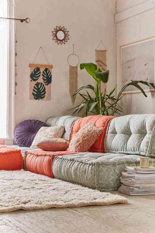 coussins de sol et décoration de salon design par Reema ...
