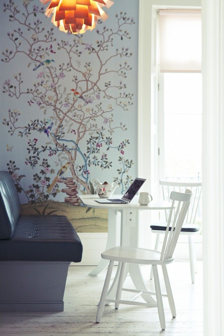 Trending on remodelista the ultimate indoor outdoor kitchen flora fauna wallpaper office nook gardenista voltagebd Images