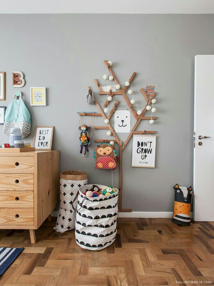Tree hanger in kids room #kleinkindzimmer