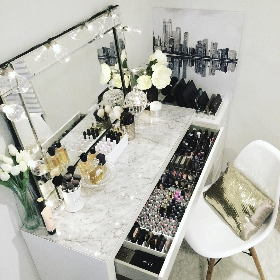 Makeup Dresser Ideas Captivating Vezi Această Fotografie Instagram De Vanitycollections • 250 De Design Decoration