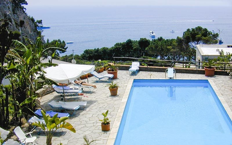 Tirrenia Roberts Hotel E B B Em Capri Capri