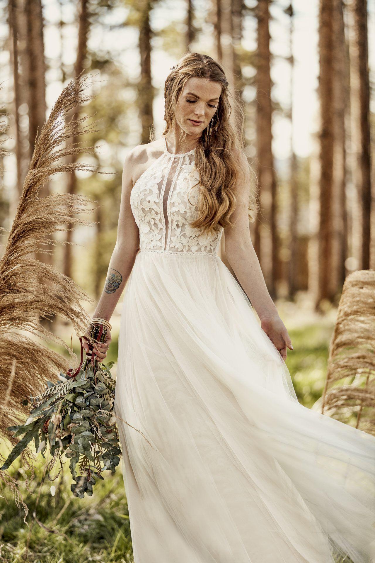 All Who Wander Boho Wedding Gowns Boho Wedding Dress Summer Wedding Dress [ 1920 x 1280 Pixel ]