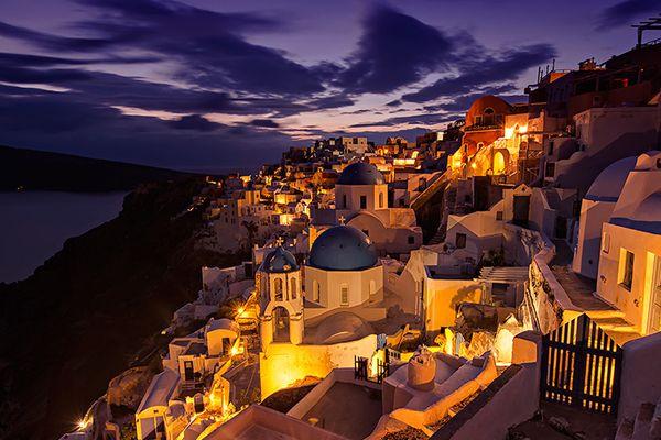 エーゲ海に位置する美しい 歴史島 であるギリシャ サントリーニ島の