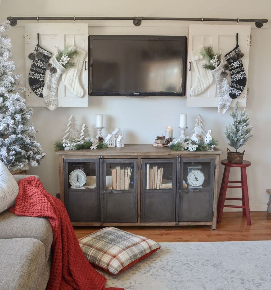 50 Impressive Christmas Living Room Decorating Ideas images