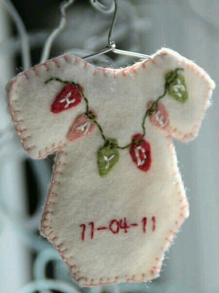 Cute baby birth announcement / keepsake! Xmas Quilts  Ornaments