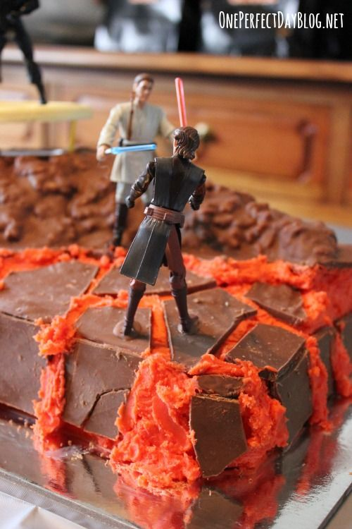 Simple but awesome Star Wars birthday cake Deliciousness