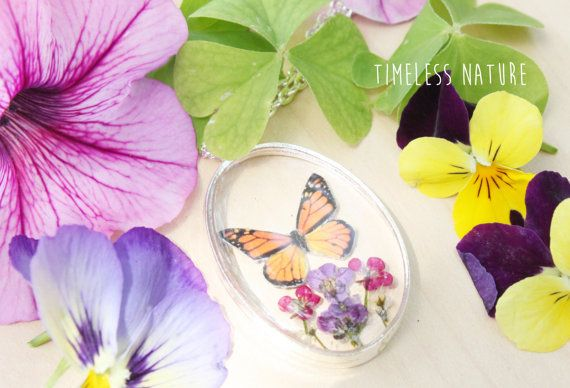 Butterfly  Resin necklace  Real Flowers  Gift for Her di TNandCK