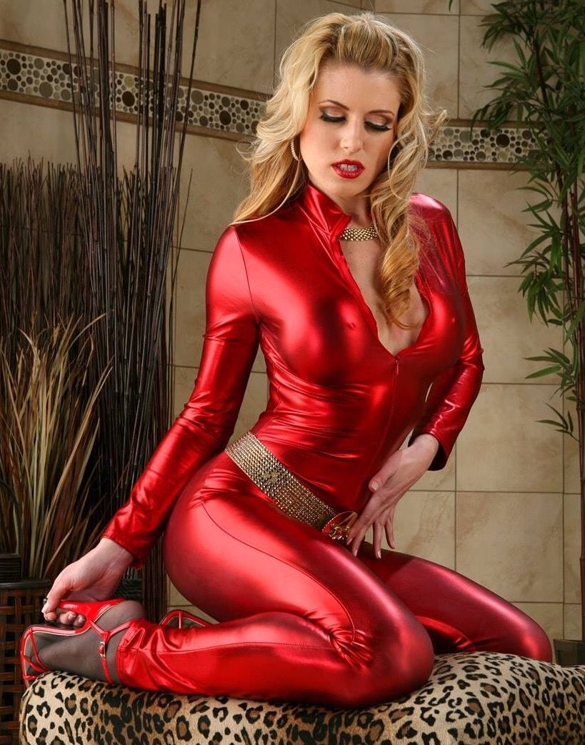 Sexy red shiny spandex micro hot pants