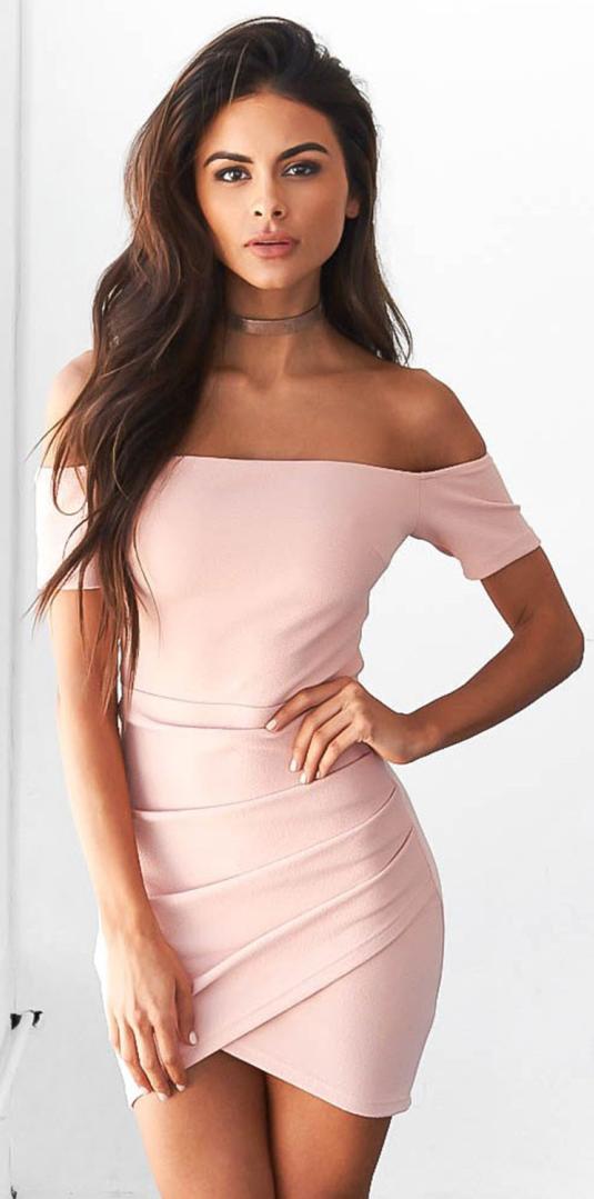 d0ba363efab7 Details: Silhouette: Slim Sleeve Length: Short Sleeve Sleeve Types: Regular  Style: Fashion Neckline/Collar: Off the Shoulder Pattern Type: Plain  Material: ...