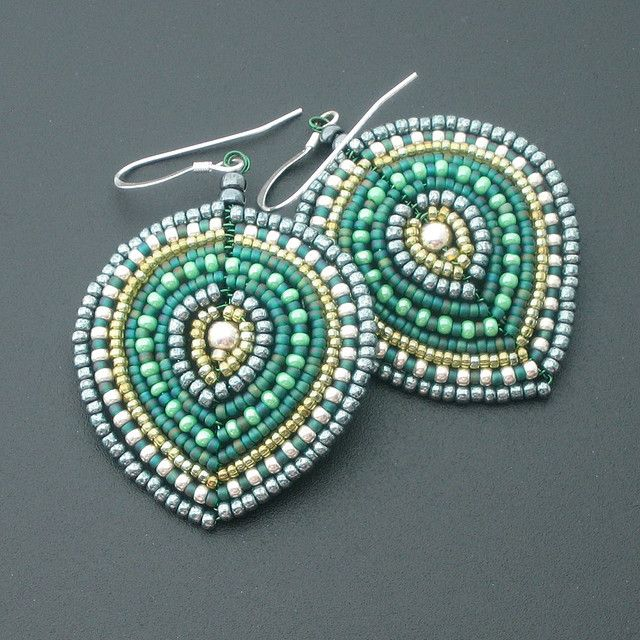 YouTube video tutorial for making wired earrings (in English) | do ...