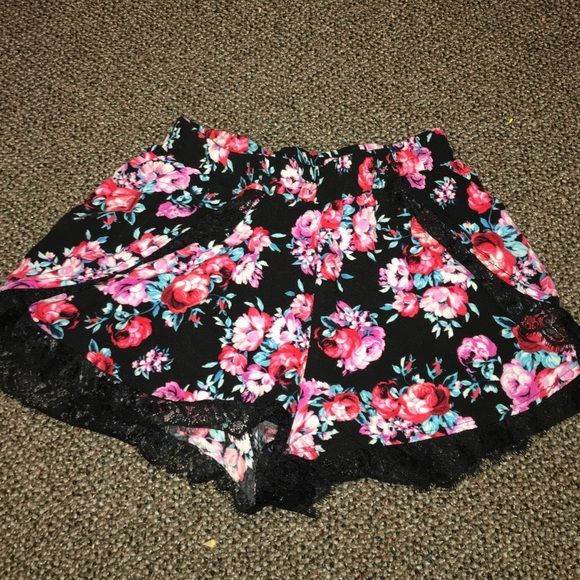 Crochet-Trim Printed Shorts Worn once, very soft and comfortable. Tried them on and they almost felt like a skirt and they run a little big but would recommend! :) Great condition! Charlotte Russe Shorts
