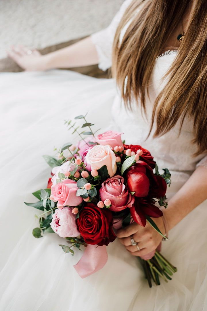 Red Pink White Bouquets For A Valentines Day Themed Wedding