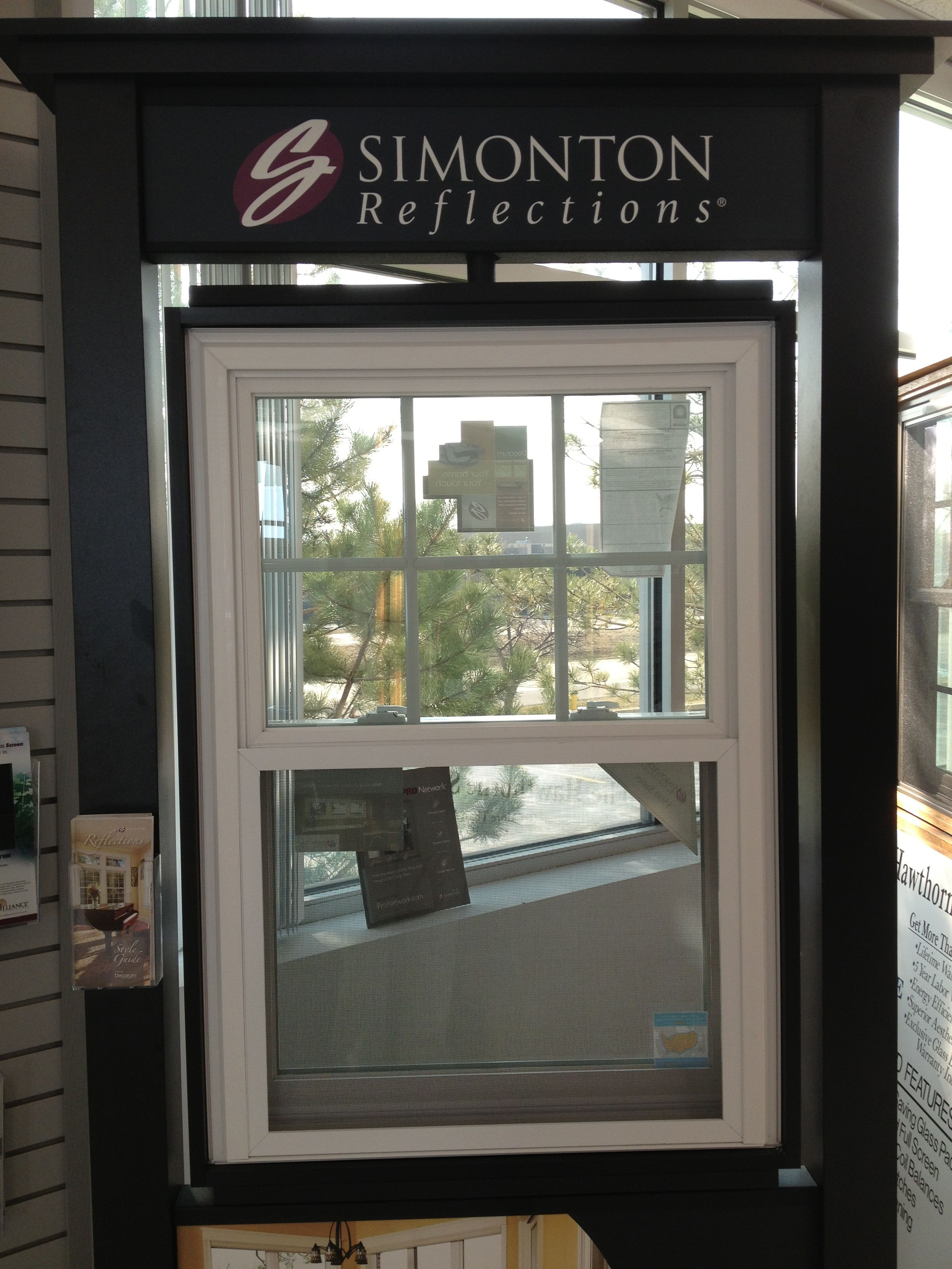 Simonton Reflections White Vinyl Double Hung In White With Grids