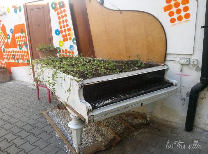 las_tres_sillas_muebles_recuperados_rumania_4