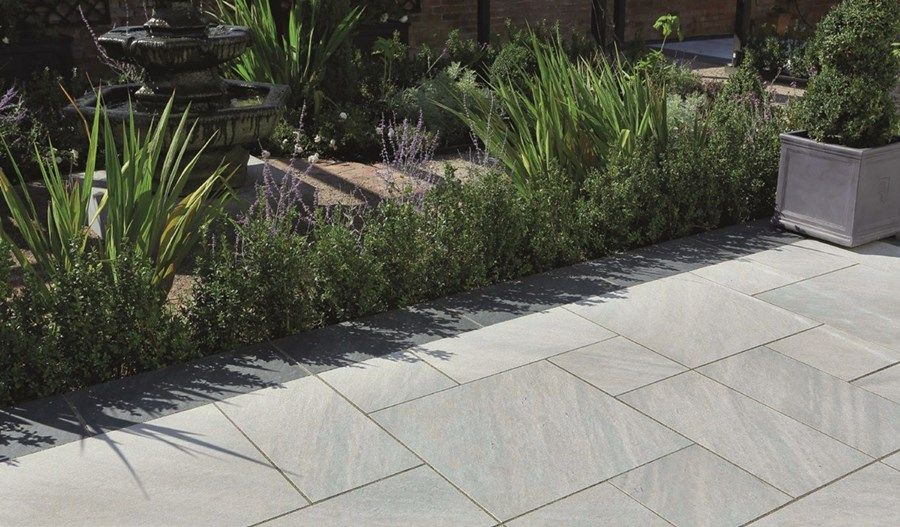 Aspero Patio Pack Silver Grey 5400 X 3600 In 2020 Garden Slabs Garden Paving Paving