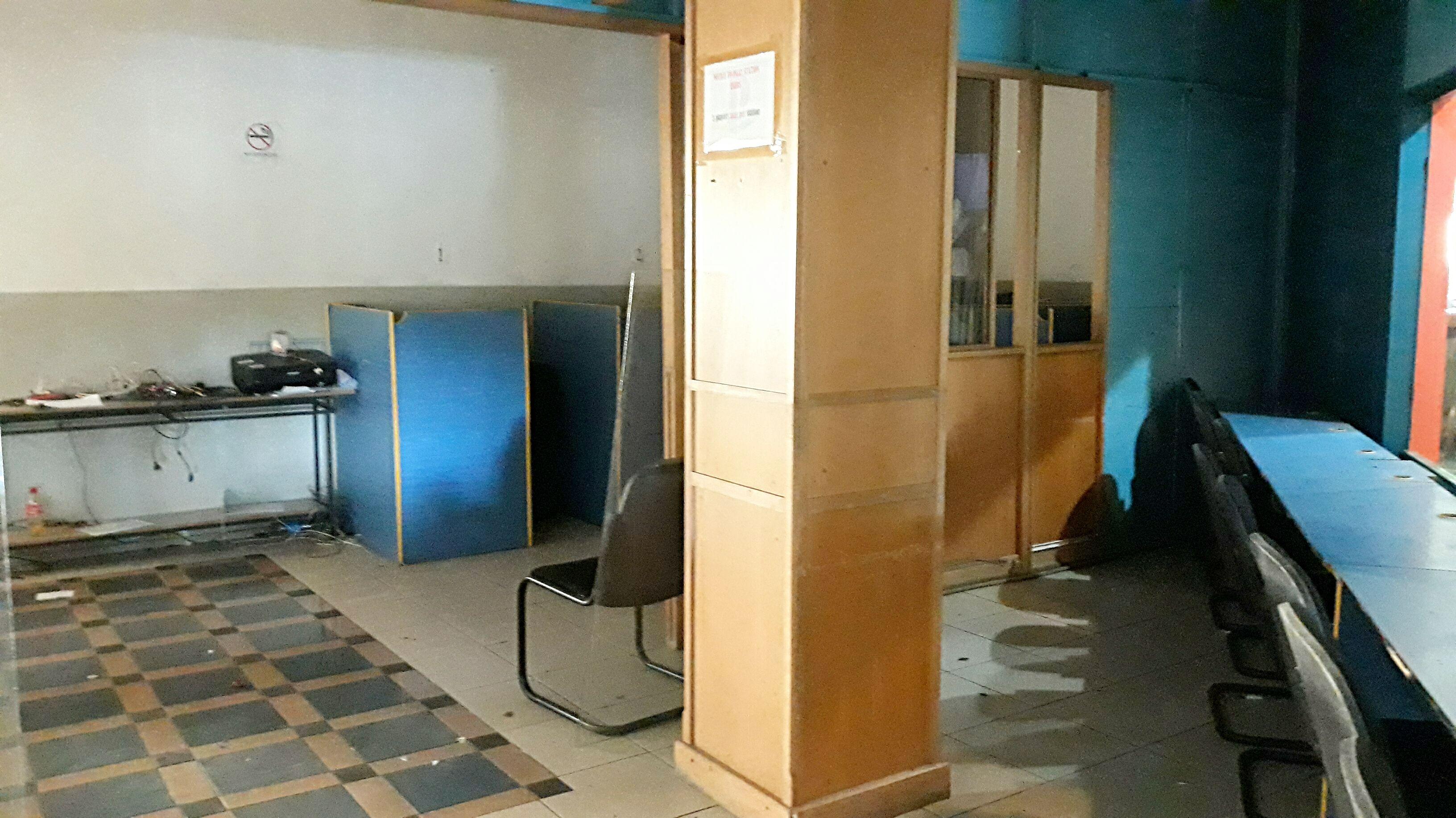 2000 SQFT Hall Third Floor Rent Defence Colony South Delhi