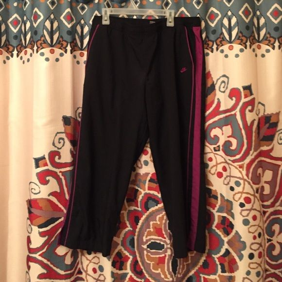 ❤️ Nike Workout Pants Nike • workout • pants • pink and black • has pockets • sz L (10/12) • Nike Pants Track Pants & Joggers