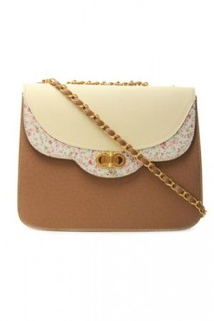 I am so freaking in love with this bag!! I want it!