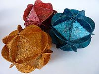 Decorative ball with recycled paper