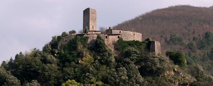 Una delle aree più suggestive tra quelle toccate dal progetto è l'area di Umbriano nel comune di Ferentillo.Non credo servano molte parole per descriverlo.Si tratta di un intero borgo in posizion...