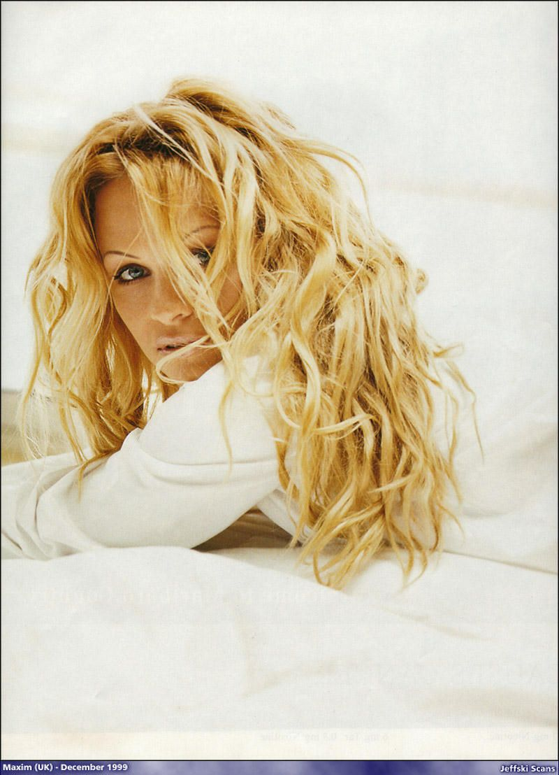 Pamela Anderson - Full Size - Page 4