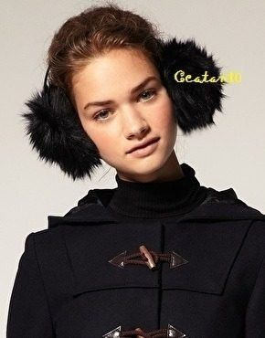 ddd36b2f2a864 Tiara De Pompom Fur Pele Pelucia Protetor De Orelha Earmuff - R  20 ...