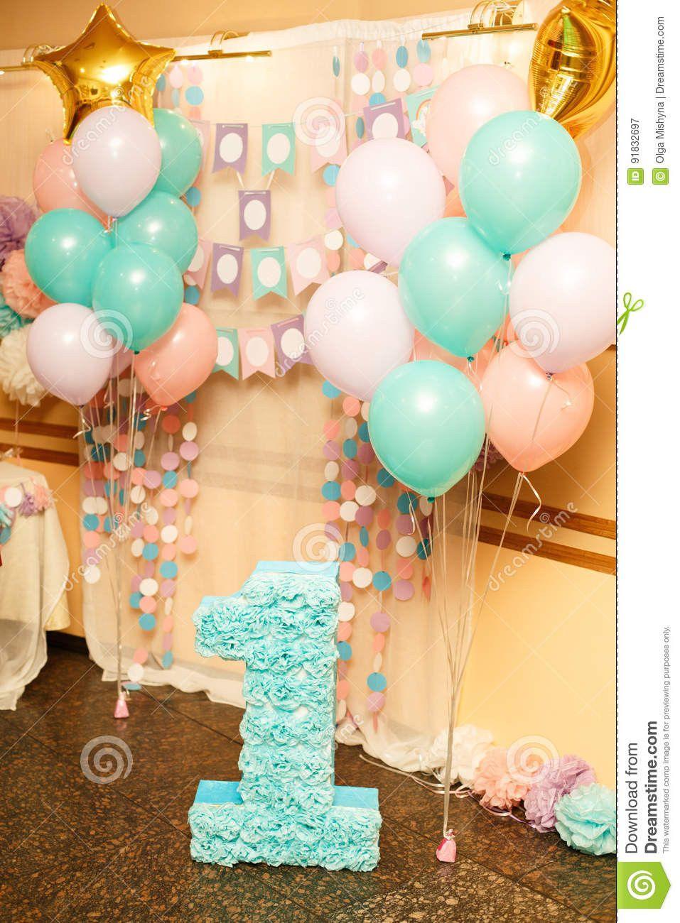 Fiesta De Cumpleaños Para El Niño Un Años Imagen De Decoracion Primer Cumpleaños Niña Cumpleaños Niños Decoracion De Cumpleaños