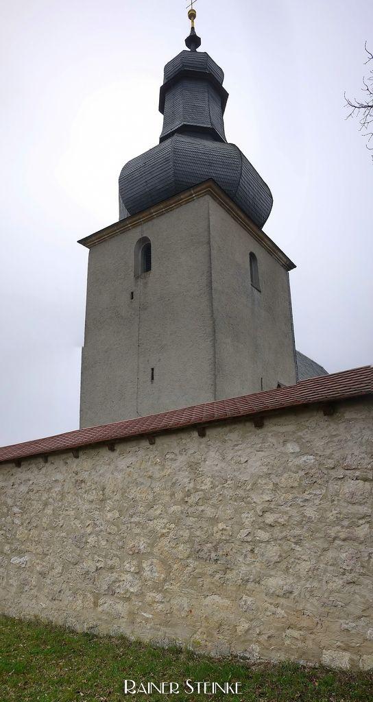 Wehrkirche St. Laurentius und Heinrich in Hohenpölz - Fränkische Schweiz