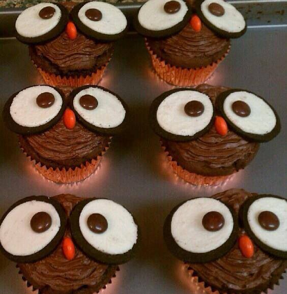 Cute owl cupcakes with Oreos and recees pieces Harvest Fun
