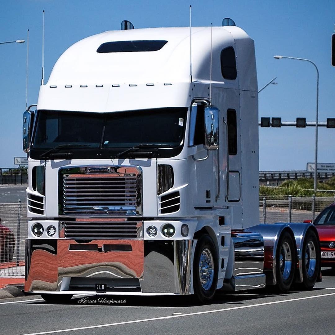 Freightliner Truck Truckphotography White Truckphoto Big Trucks Trucks Freightliner Trucks