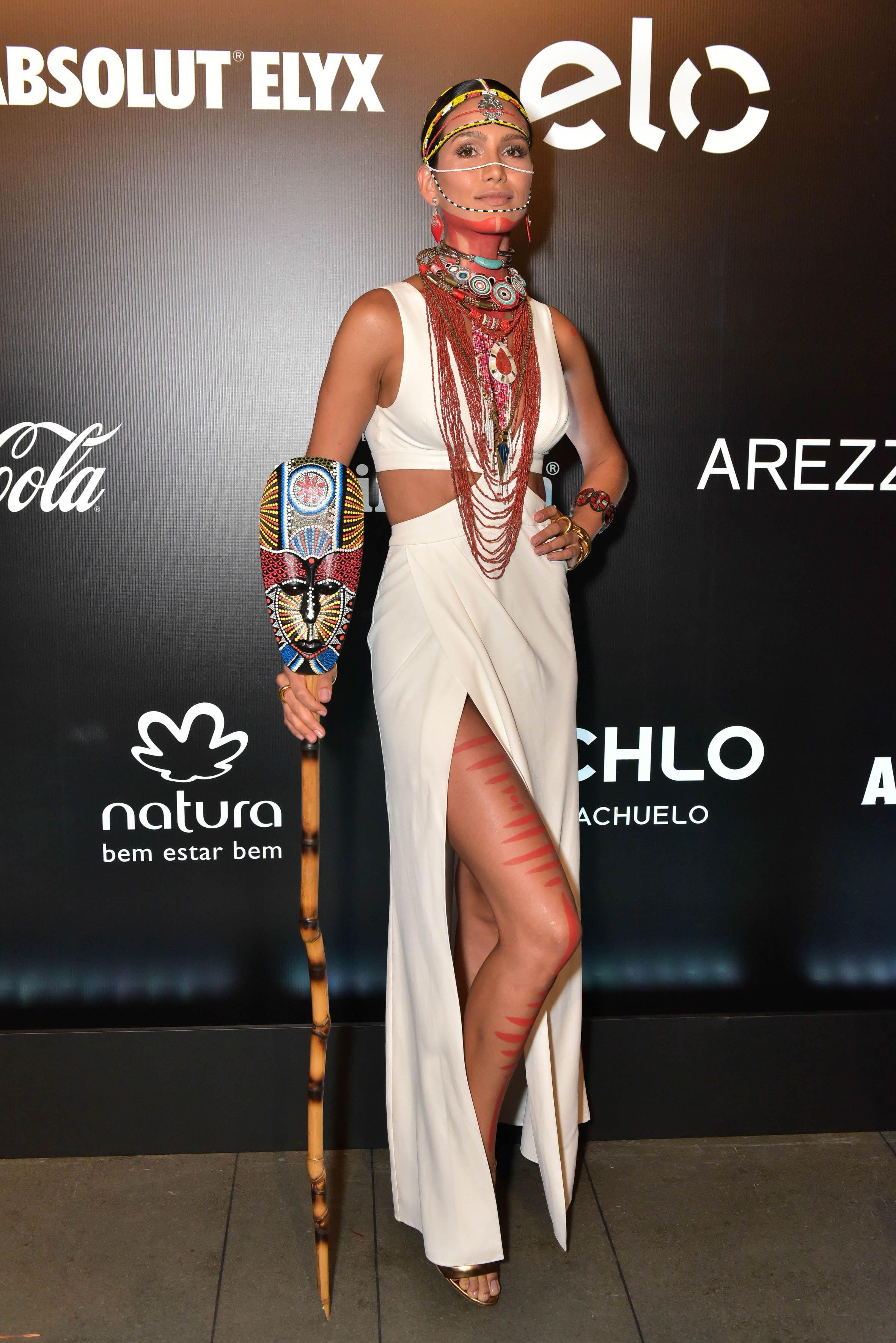 As melhores – e mais criativas! – fantasias do Baile da Vogue 2016 ... fb4c261a3b