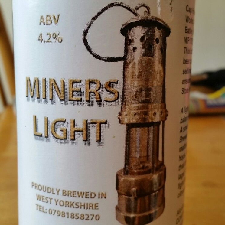 Astringent taste but not unpleasant. - Drinking a Miners Light by Cap House Brewery