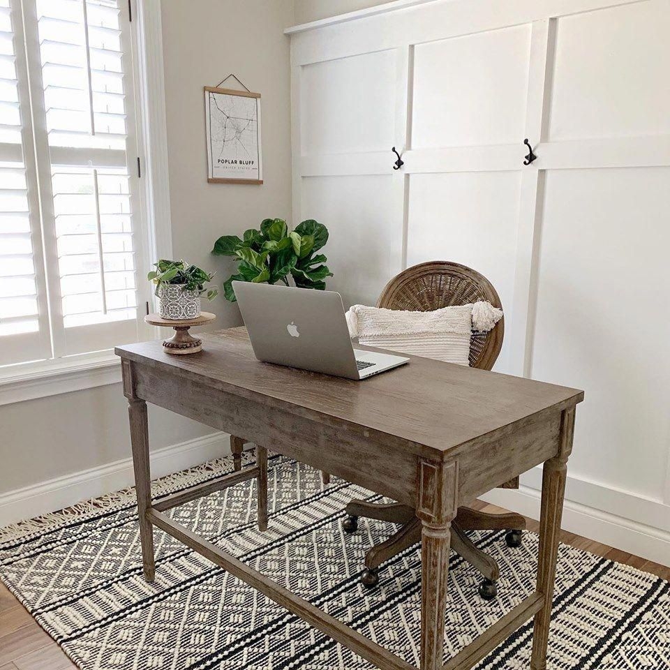 This work station is so lovely ������ Thanks The Gateway Home for using our Farmhouse Tassels FTS-2300 area rug in your beautiful #workspace  . . . . . . . . . . . . . . #boutiquerugs ������������#design #interiordesign #desk #rug #fallinspo #falldecor #interiordecor #farmhousekitchen #homegoods #kitchendesign  #officedecor #homeofficedecor #modernfarmhousestyle #modernfarmhouse #farmhousestyle #farmhousedecor #farmhouseoffice #ourhome #ikea #rug #farmhouserug #homede #homegoodsdecor
