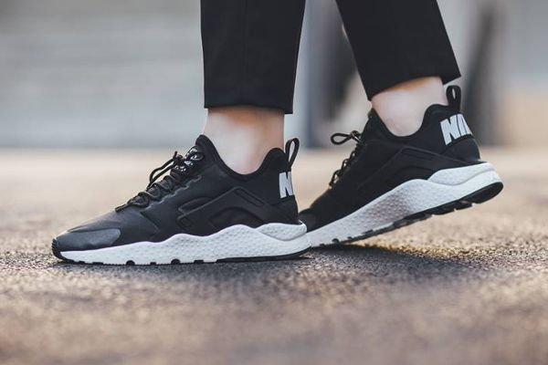 Ultra Run Nike White Air En Pas Cher2Vêtements Huarache Black SUGqVpzM