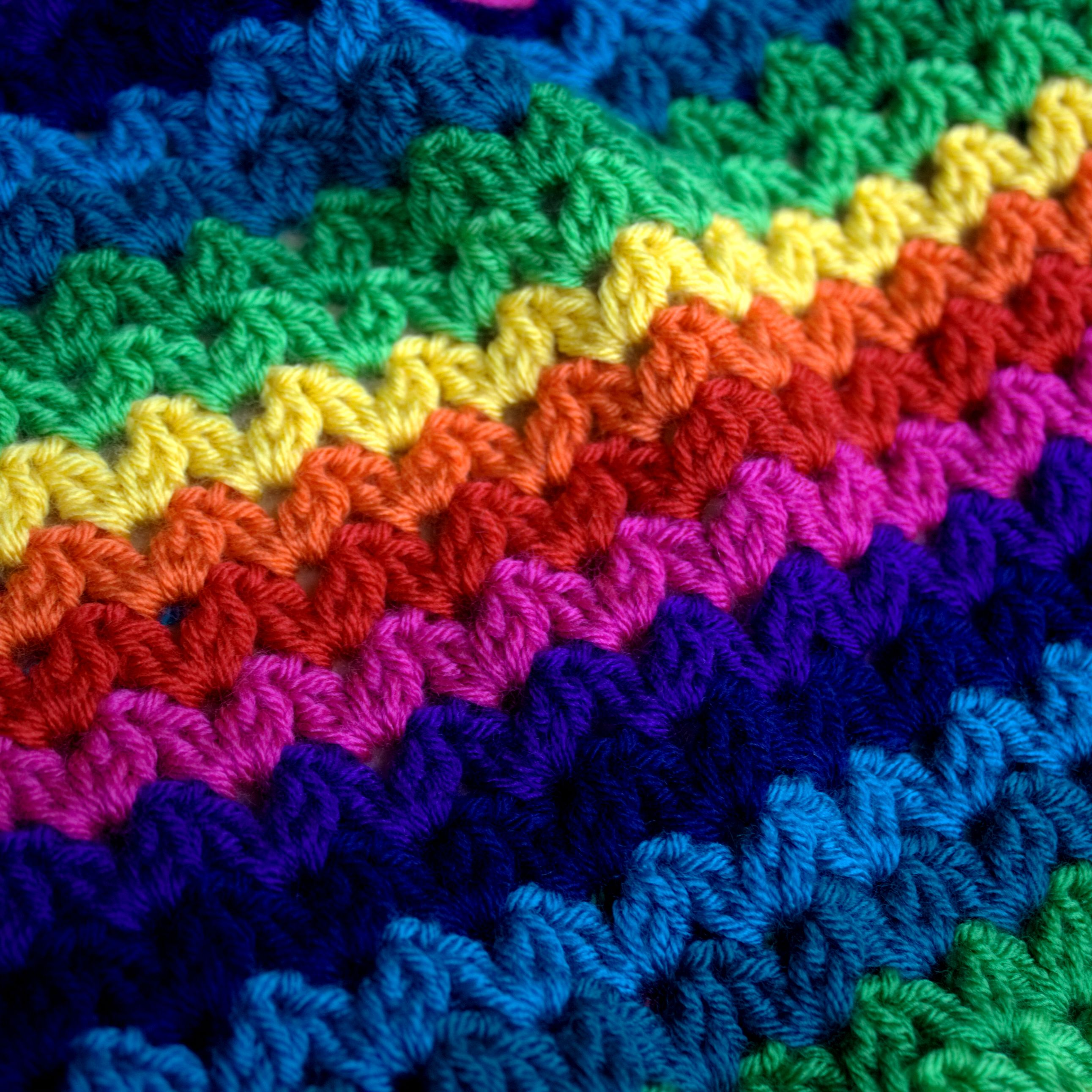 Ric rac blanket a beginners crochet blanket in rainbow colourway