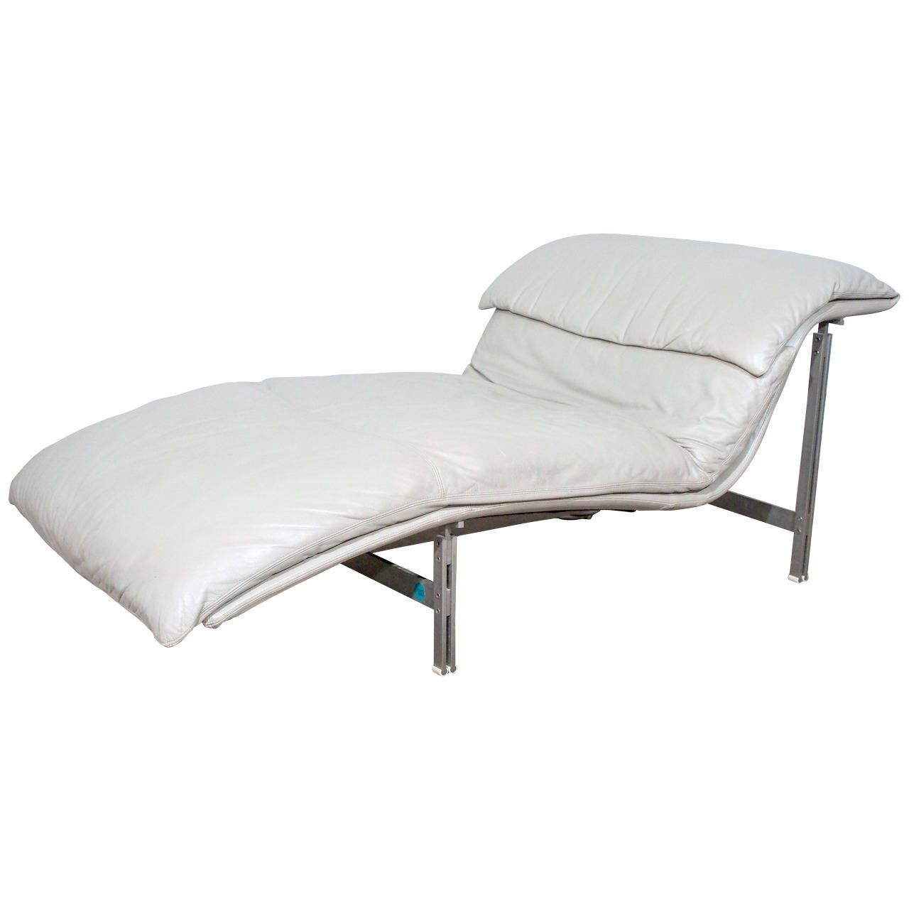 Photo of Leather Wave Chaise Longue Chair by Giovanni Offredi for Saporiti, Signed | If it's …