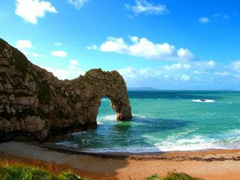 Durdle Door on Dorset\u0027s Jurassic Coast. @Lucy Mitchell come stay and well go & Durdle Door on Dorset\u0027s Jurassic Coast. @Lucy Mitchell come stay ...