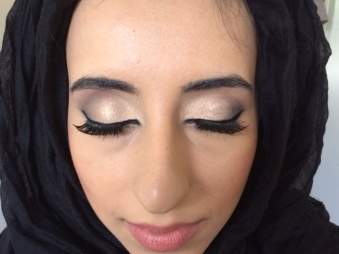 For hair and make up bookings please call 07859904554 or email info@makeupbyleila.com Facebook: https://www.facebook.com/LeilaChauhanHairAndMakeupArtist Instagram: hairandmakeupleila