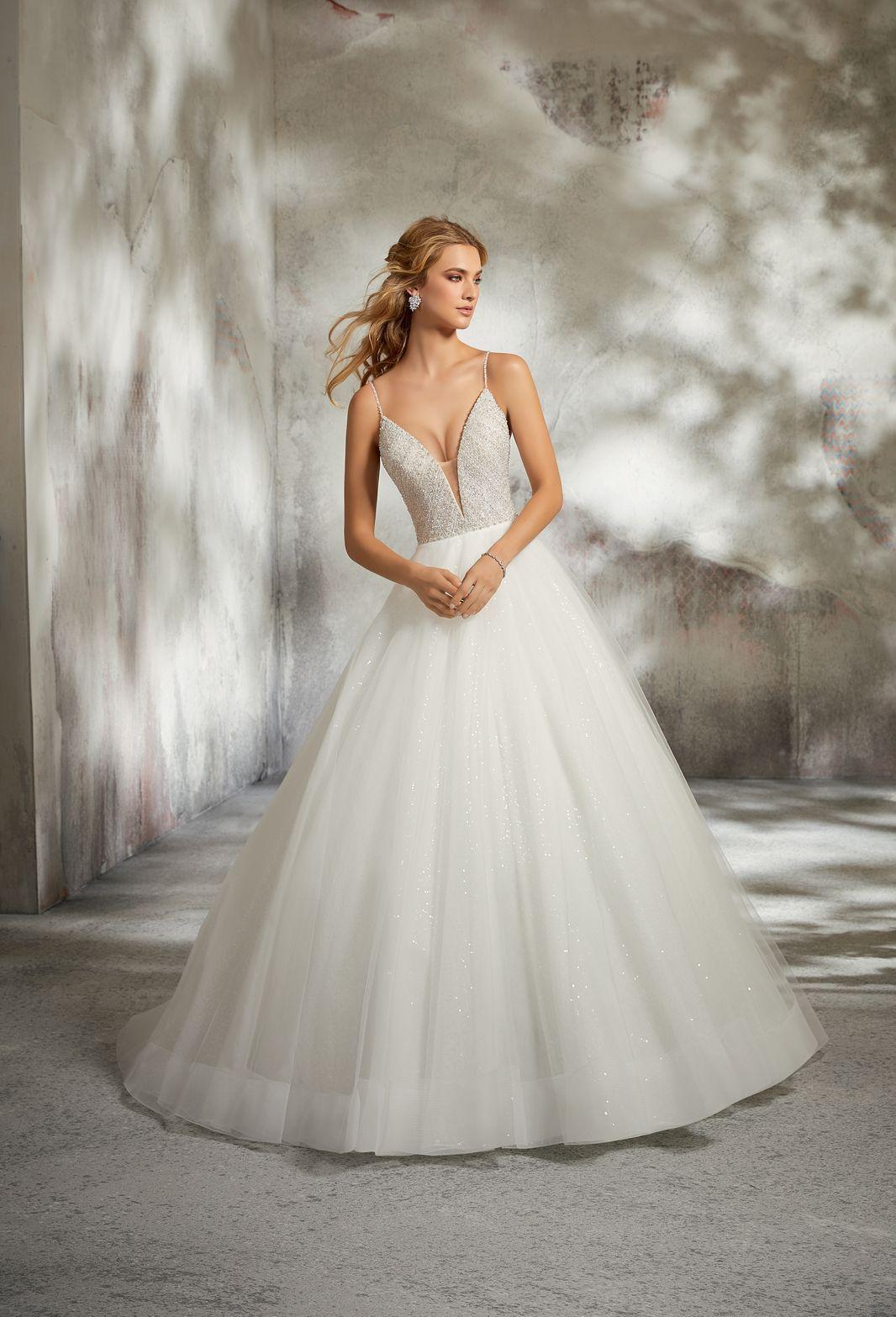 Model 8286 Balowa Suknia ślubna Z Niesamowicie Zdobionym Gorsetem