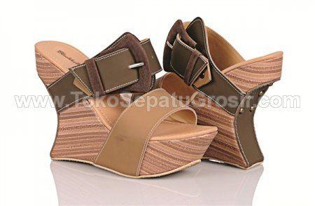 Sepatu Wedges Branded (LOL 734 ) • Toko