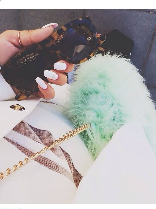 Mint fluffy bag // White on white // gold and leopard inspired sunnies