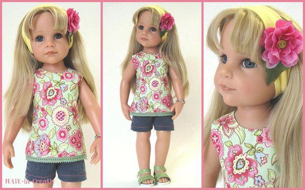 Sommerliches Outfit, für Puppe Hannah oder ähnliche Spiel- oder Künstler-Puppen in der Größe 45-50 cm.  Das Set besteht aus folgenden Elementen: - geblümte Tunika im Rücken mit Druckknöpfen zum...