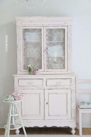 Vintage möbel weiss rosa  Küchenbuffet, Küchenschrank in pastell rosa, shabby chic | Shabby ...