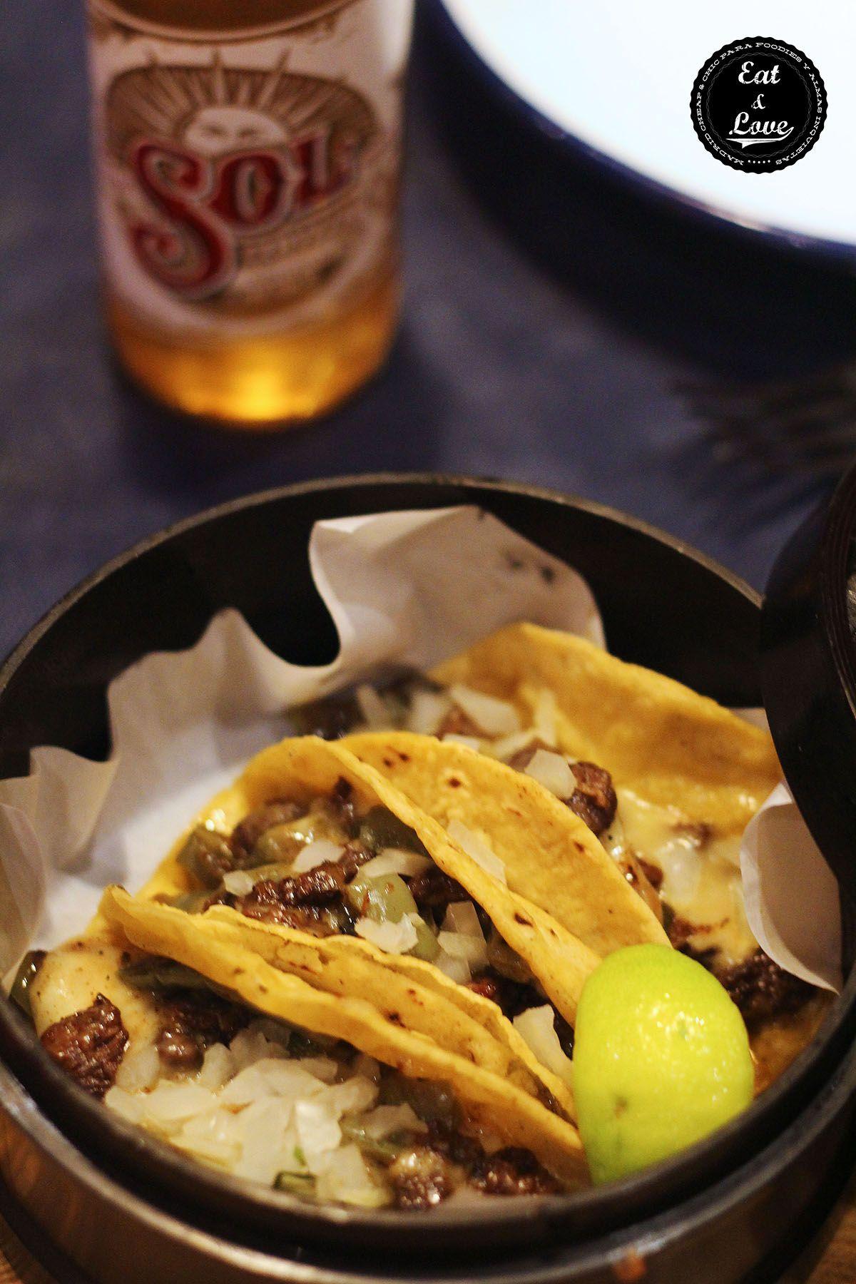 Tacos de nopales a la plancha con queso fundido y arrachera de ternera - La Chelinda