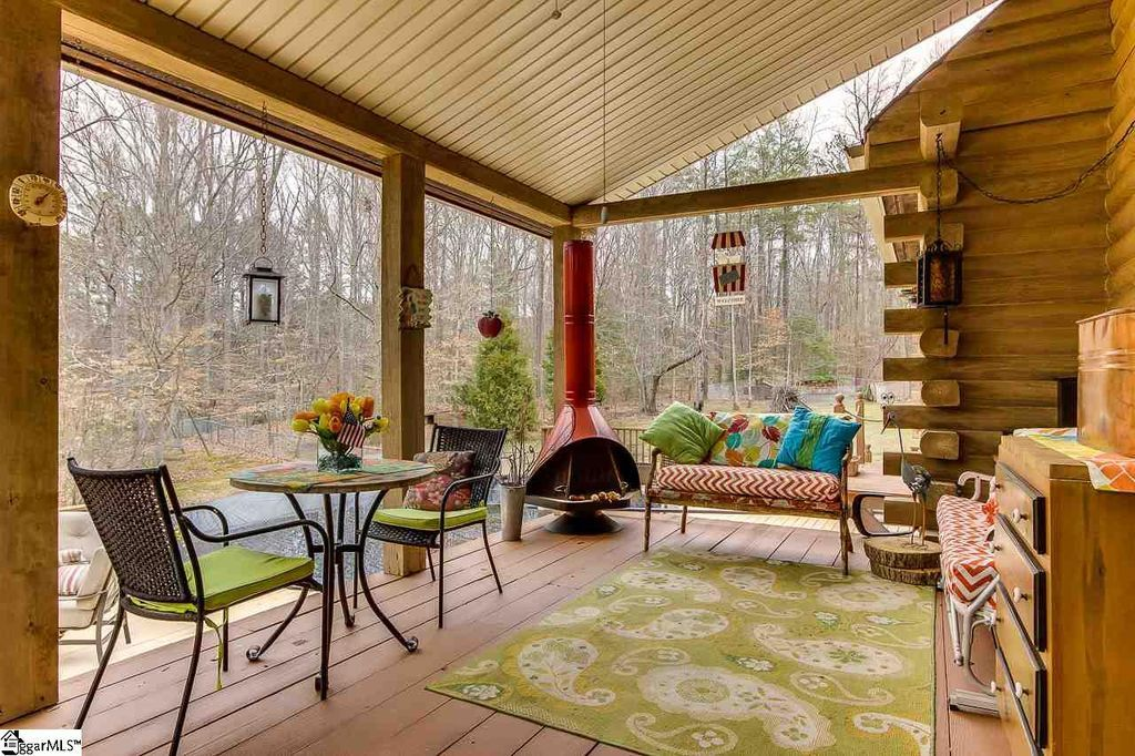 Rustic Deck With Screened Porch Outdoor Kitchen In Roebuck Sc Zillow Digs Zillow Modern Outdoor Kitchen Screened Porch Decorating Rustic Deck
