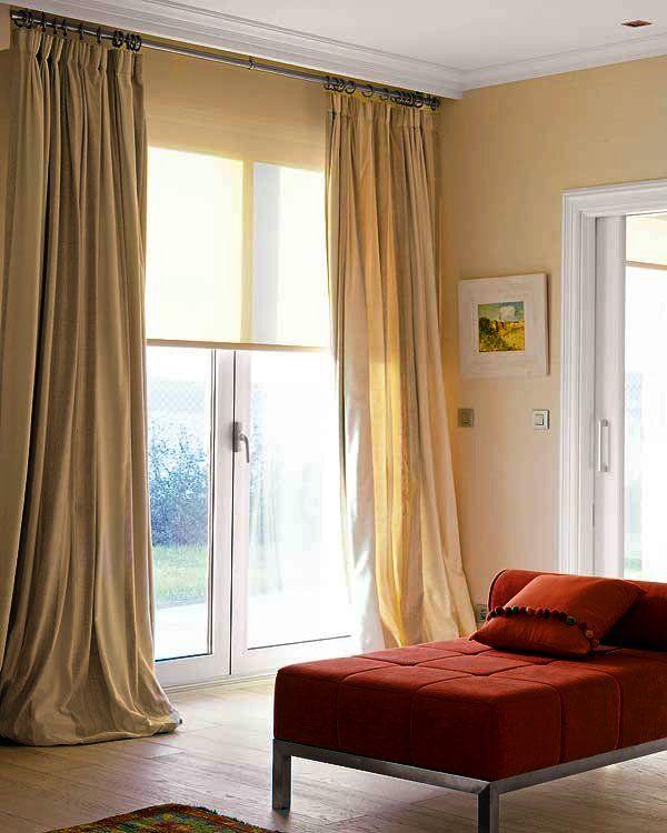 Diez ideas para combinar cortinas y estores estor for Cortinas salon beige