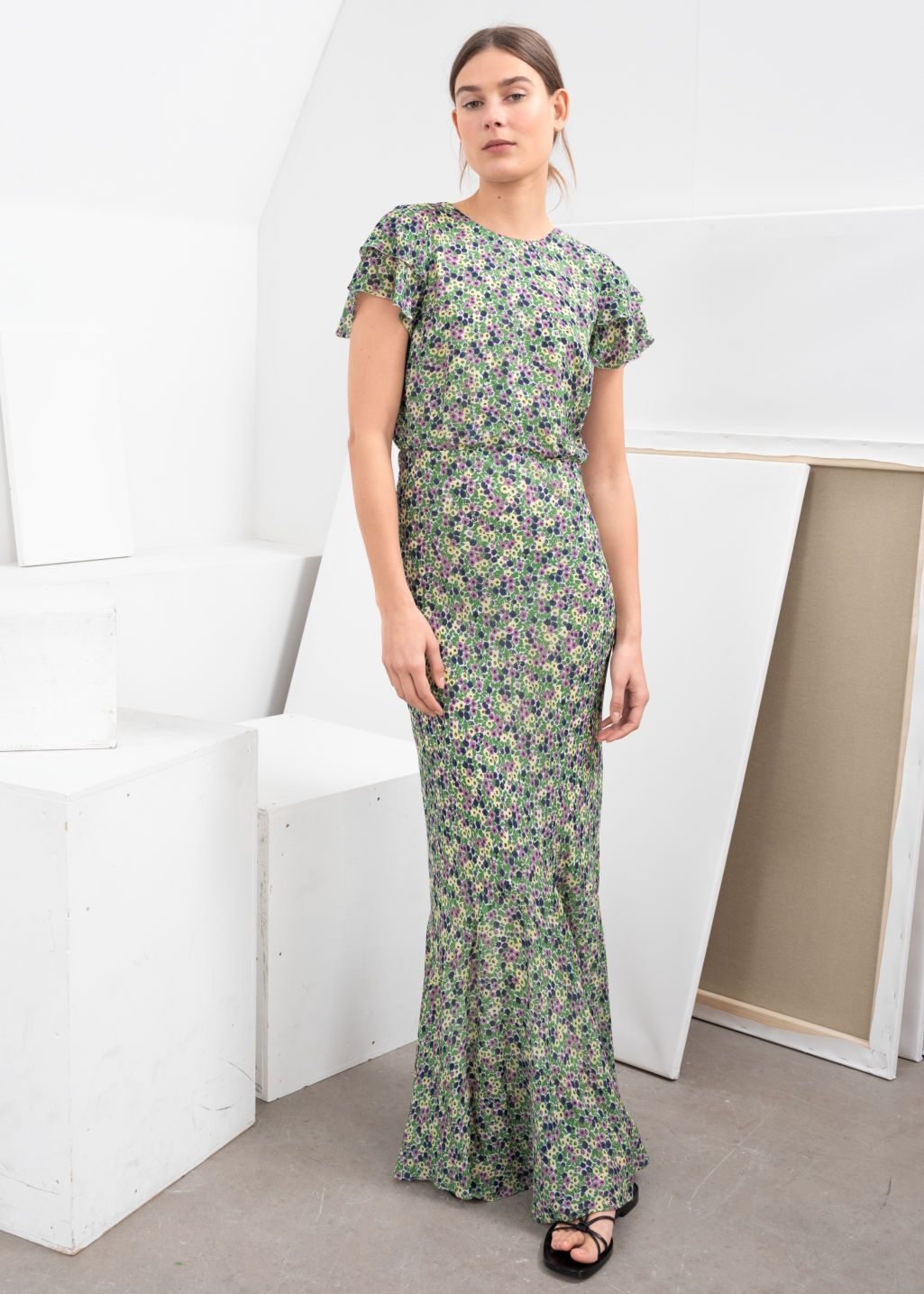 5a94133f614cd Ruffled Floral Maxi Dress in 2019 | High Street Research | Floral ...